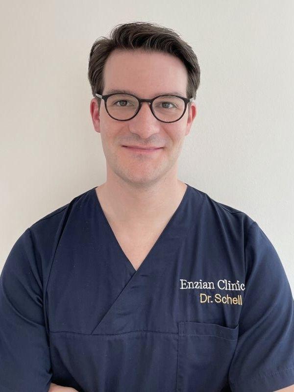 Enzian-Clinic-Pfeifle-Werz-Metzingen-Mund-Kiefer-Gesichtschirurgie-Schoenheitschirurgie-angstfreie-Zahnbehandlung_Kopf_und_Hautchirurgie-Dr. Julian Schell